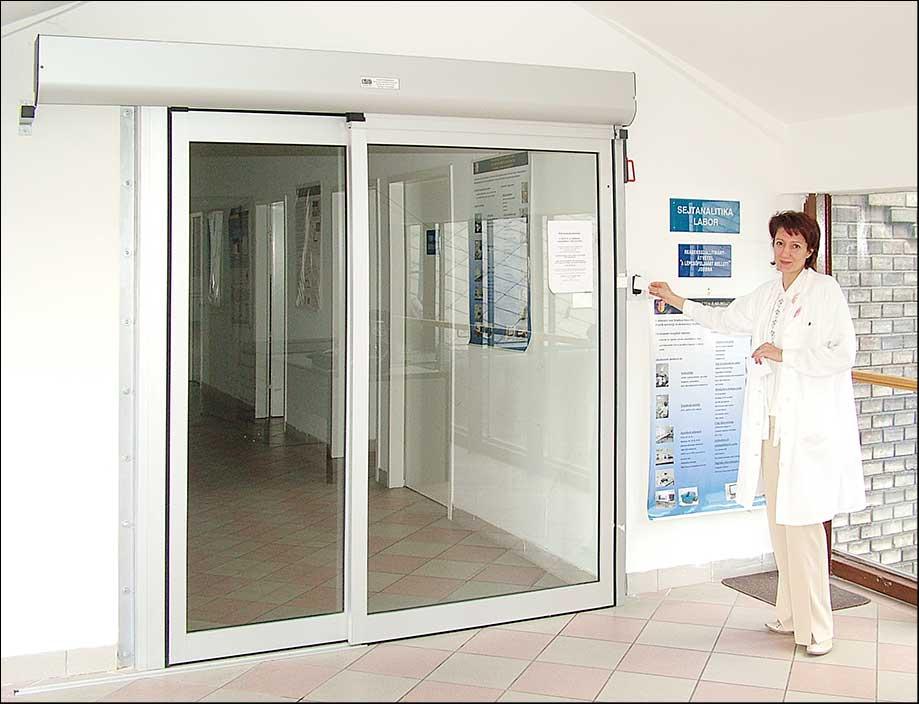 Biztonságos automata ajtó